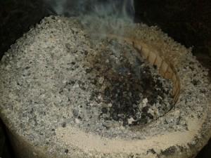 Несгоревшие пеллеты в грязной горелке