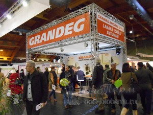 Стенд ГРАНДЕГ на выставке в Риге